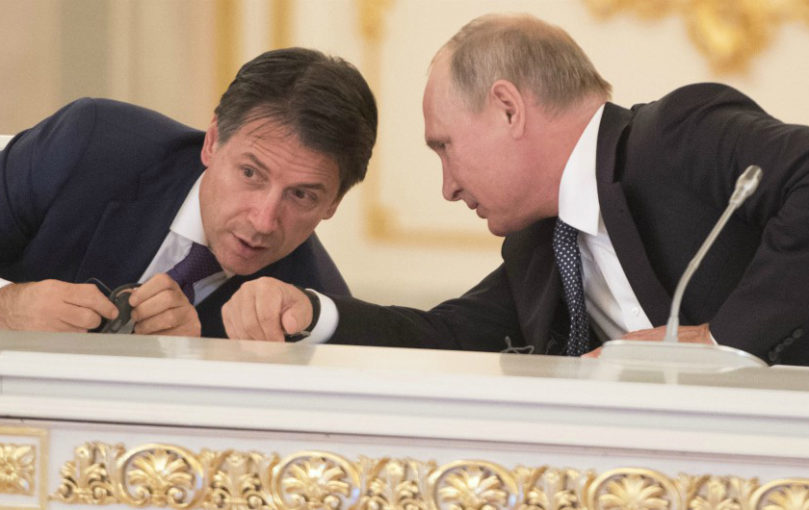 Presidente Conte con Putin in conferenz