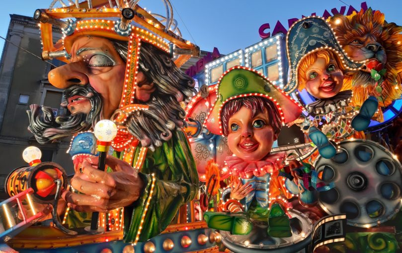 Carnevale di Acireale 2019 Traduzioni Italiano Russo